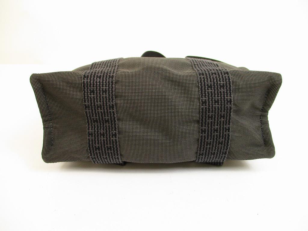 hermes canvas her line grays backpack bag mm w lock and key 6149 authentic brand shop tokyo 39 s. Black Bedroom Furniture Sets. Home Design Ideas